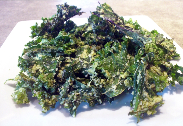 sour cream n'onion kale chips